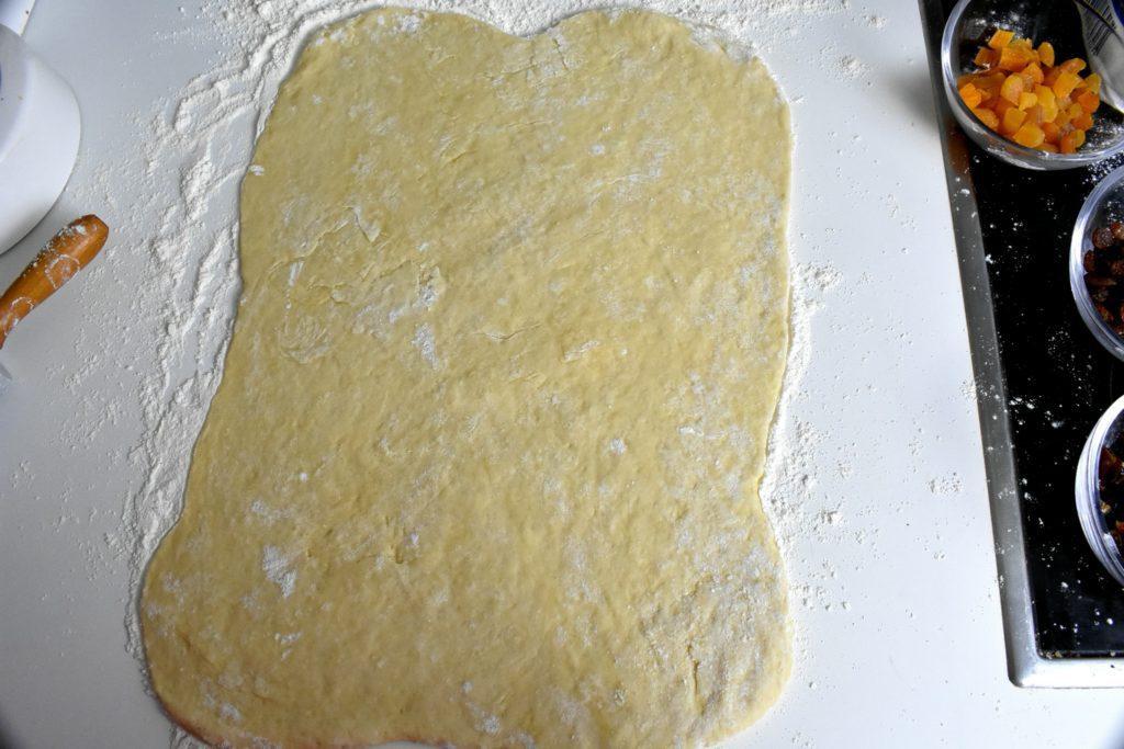 Roscon-de-reyes-King-cake-process-3-SunCakeMom