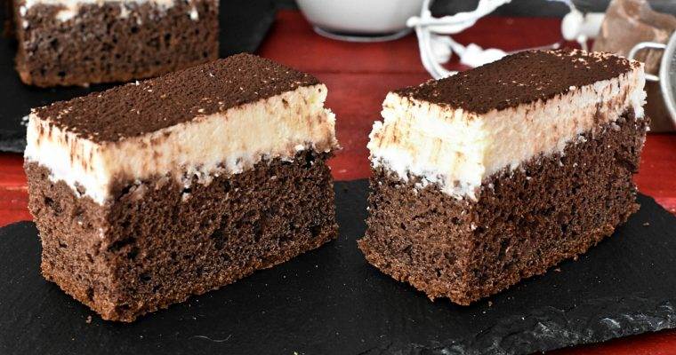 Quick Chocolate Sponge Cake With Creamy Topping