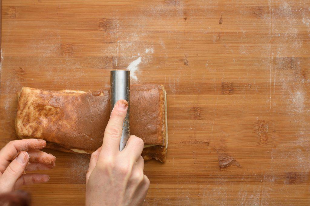 Cinnamon pull apart bread - SunCakeMom
