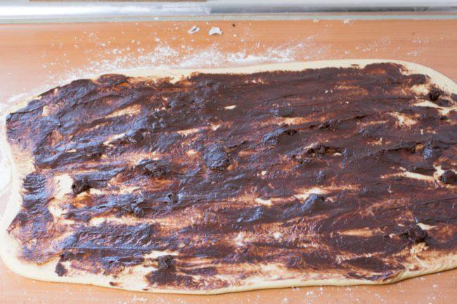 Sweet-rolls-with-chocolate-Process-2-SunCakeMom