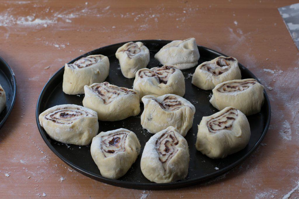 Sweet-rolls-with-chocolate-Process-4-SunCakeMom