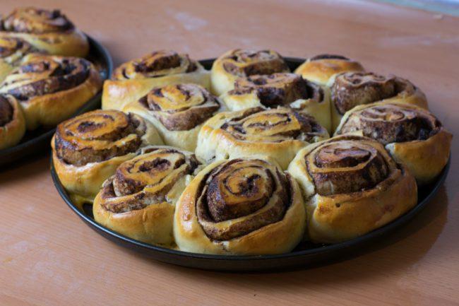 Sweet-rolls-with-chocolate-Process-6-SunCakeMom