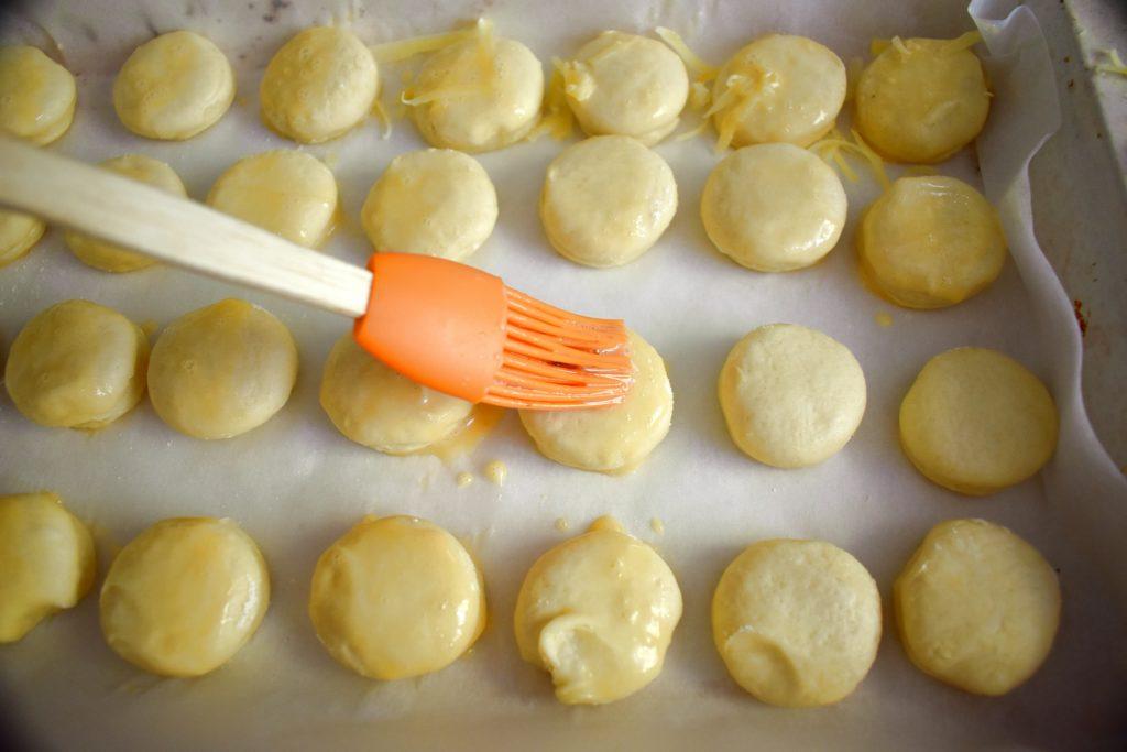 Cheese-scone-recipe-process-12-SunCakeMom