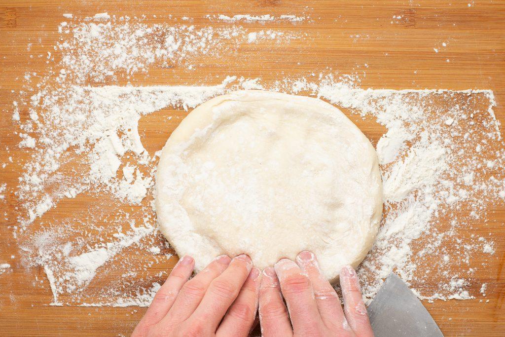 Healthy homemade pizza recipe - SunCakeMom
