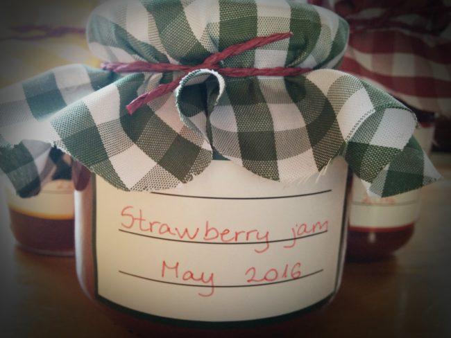 Sugar free strawberry jam - SunCakeMom