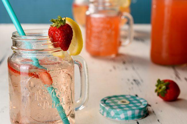 Strawberry lemonade recipe - SunCakeMom