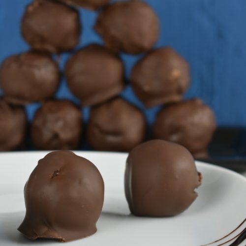 Gluten-Dairy-and-Sugar-Free-Bliss-Balls-Coated-in-Chocolate-5-SunCakeMom