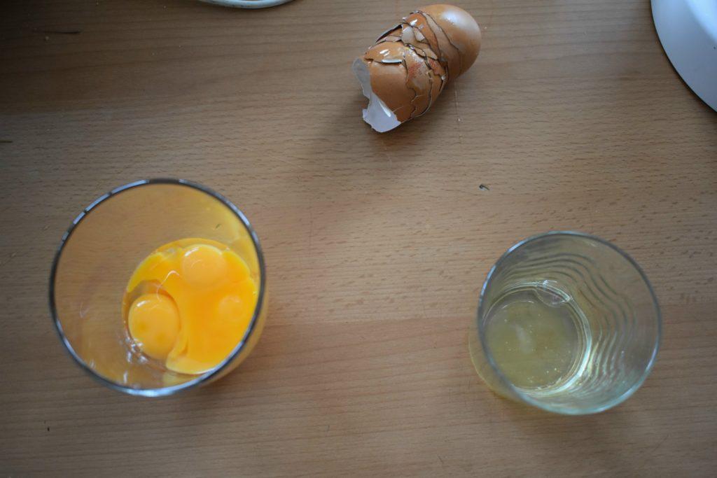 Separate-egg-yolk-and-white-SunCakeMom