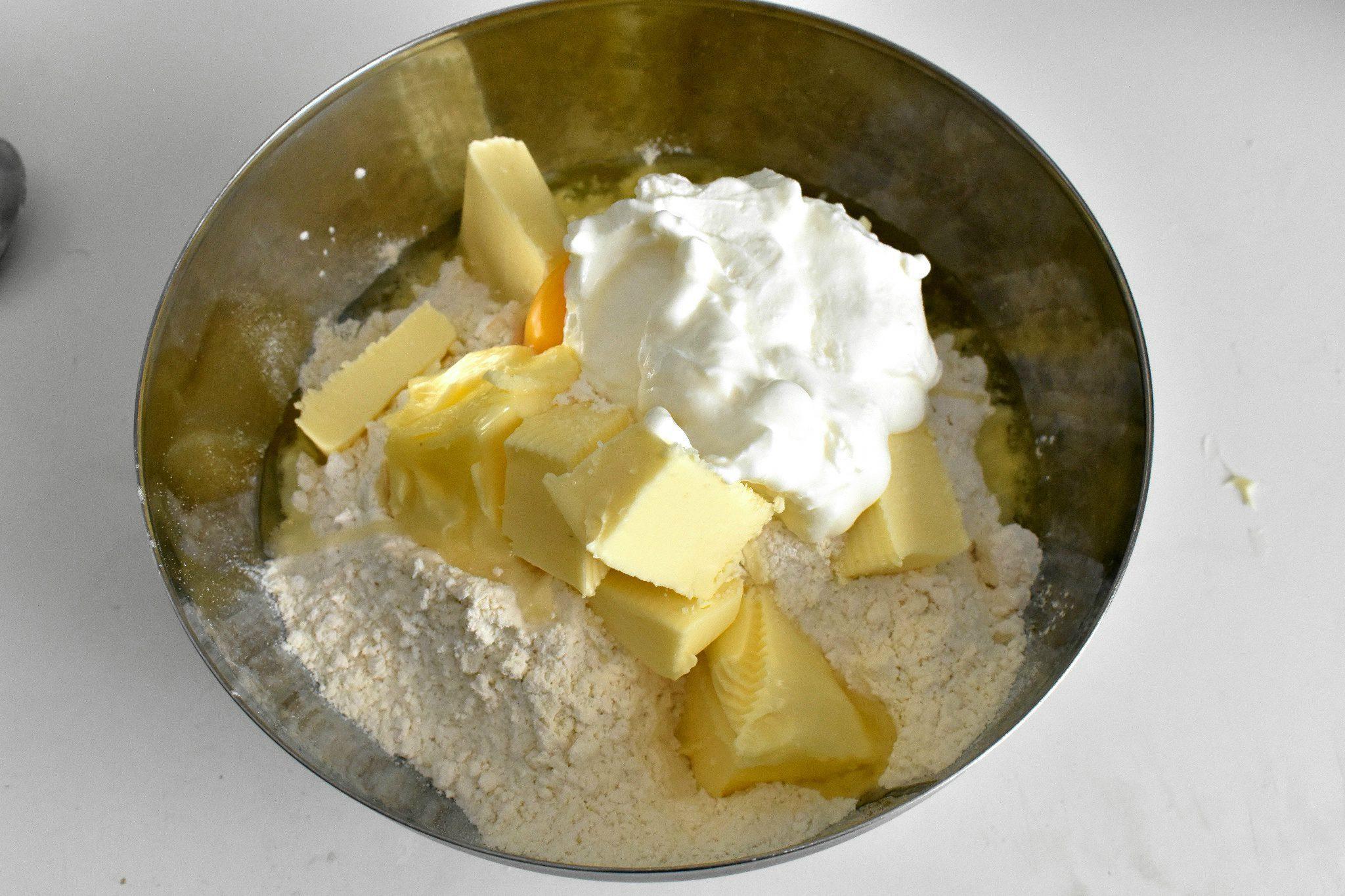 Easy-cheese-scone-recipe-process-2-SunCakeMom