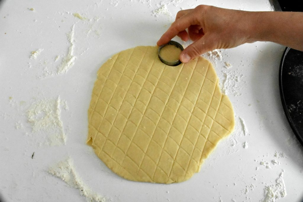 Easy-cheese-scone-recipe-process-6-SunCakeMom
