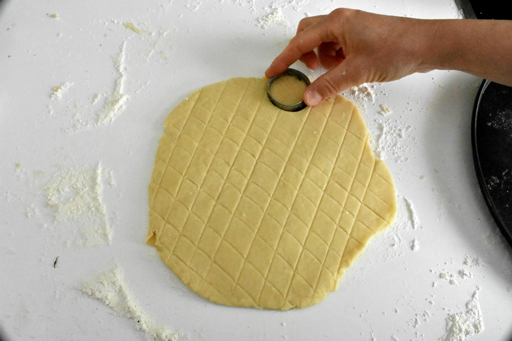 Easy-cheese-scone-recipe-process-6-SunCakeMom
