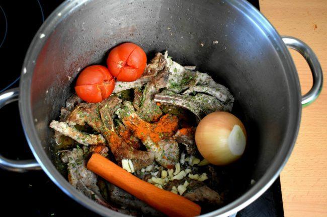 Bone-broth-recipe-process-4-SunCakeMom