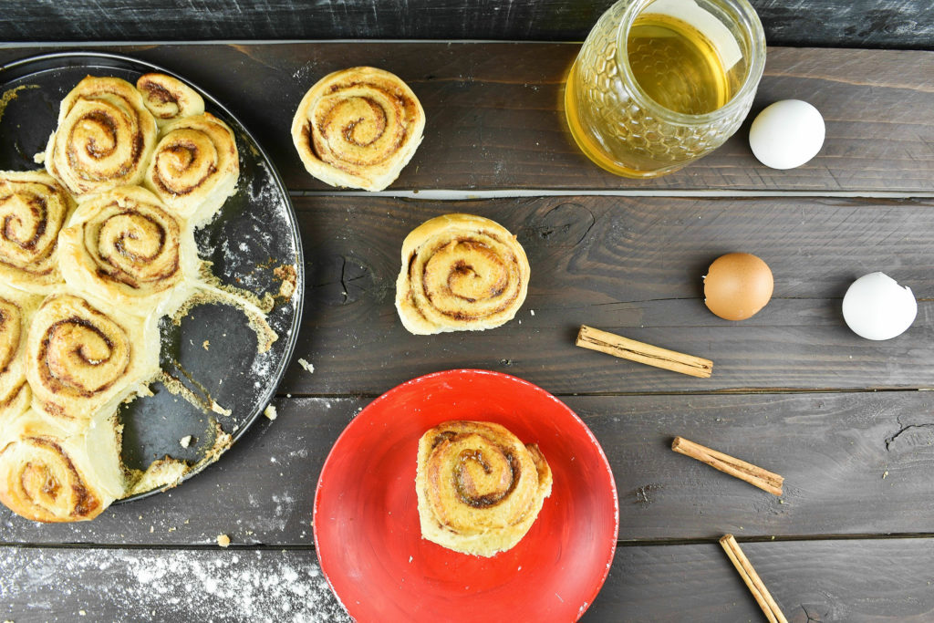 Easy-cinnamon-roll-recipe-3-SunCakeMom