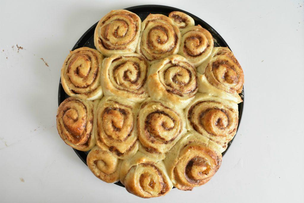Easy-cinnamon-roll-recipe-process-10-SunCakeMom