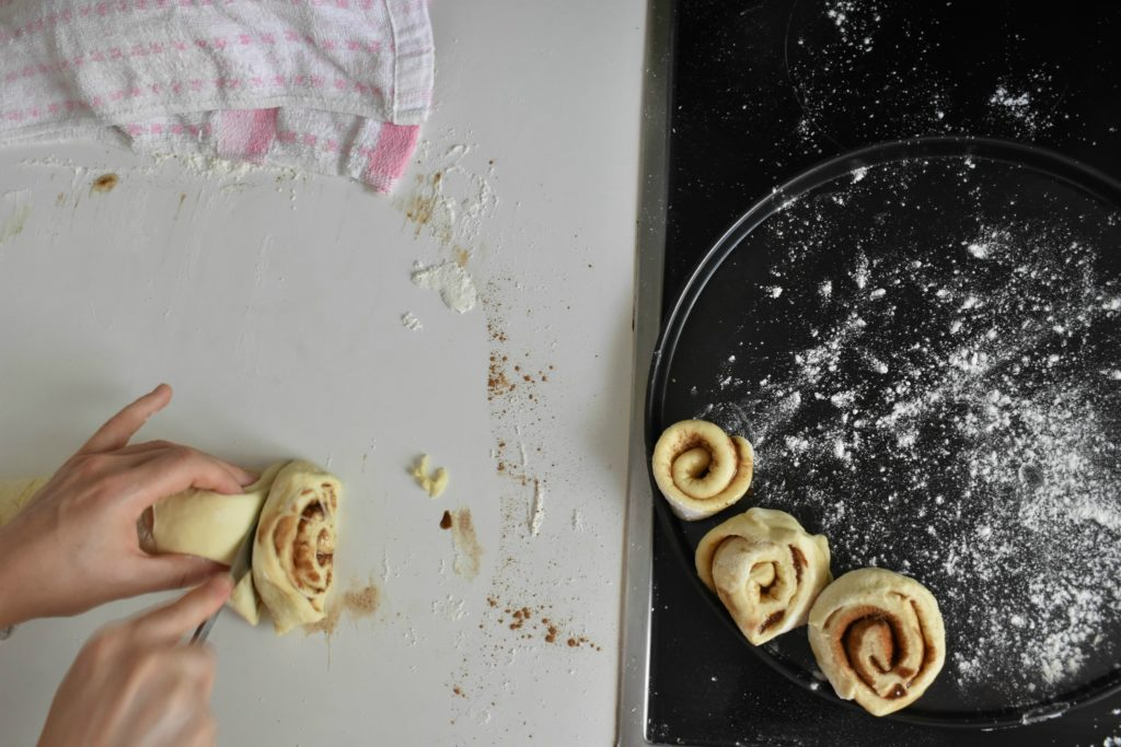 Easy-cinnamon-roll-recipe-process-7-SunCakeMom