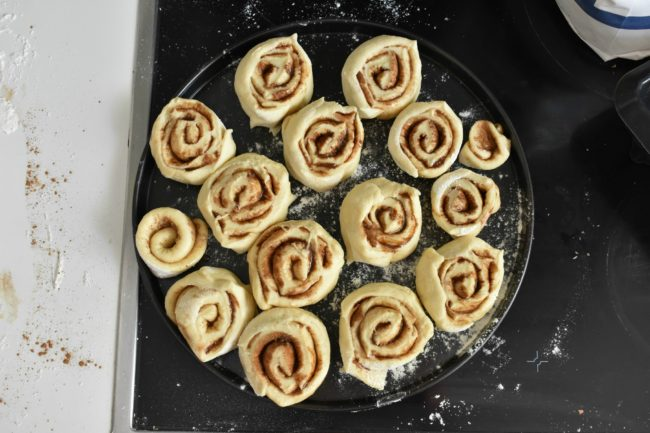 Easy-cinnamon-roll-recipe-process-8-SunCakeMom