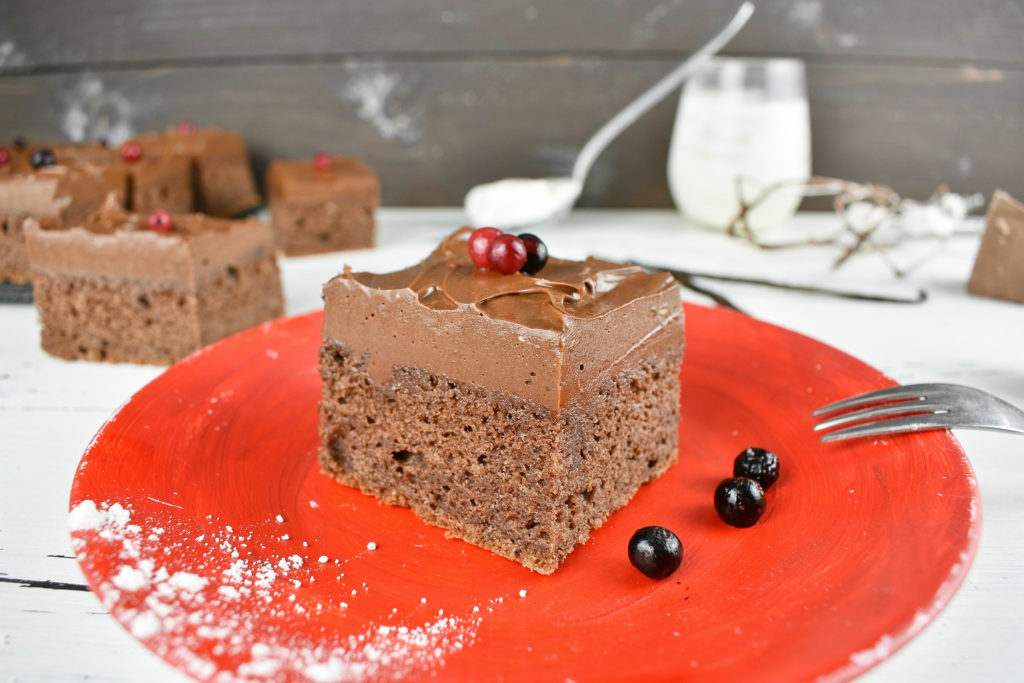Sour-cream-chocolate-cake-2-SunCakeMom