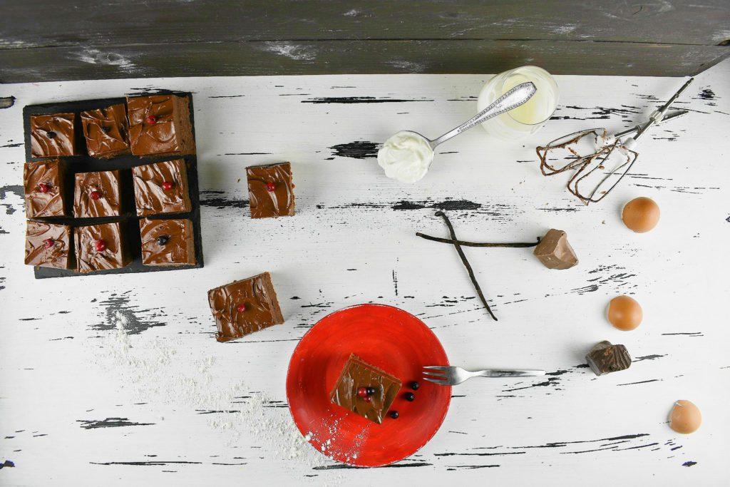 Sour-cream-chocolate-cake-3-SunCakeMom