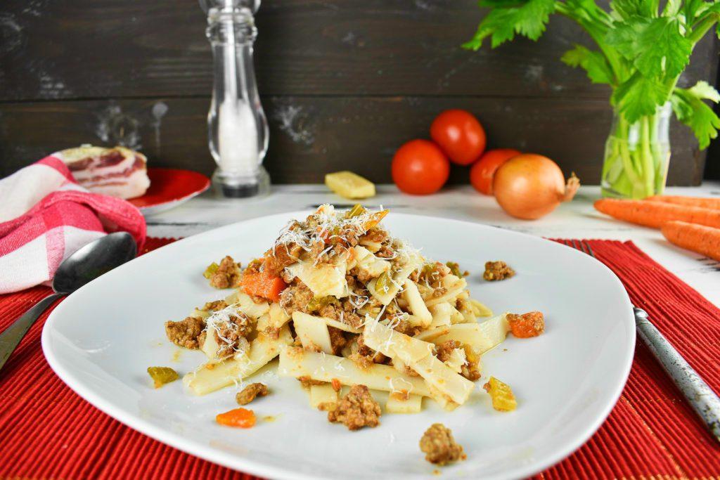 Bolognese-sauce-recipe-1-SunCakeMom