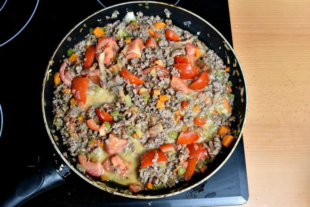 Bolognese-sauce-recipe-process-10-SunCakeMom