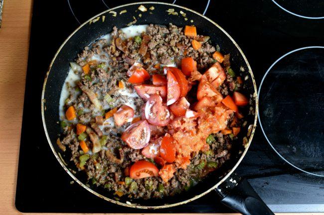 Bolognese-sauce-recipe-process-9-SunCakeMom