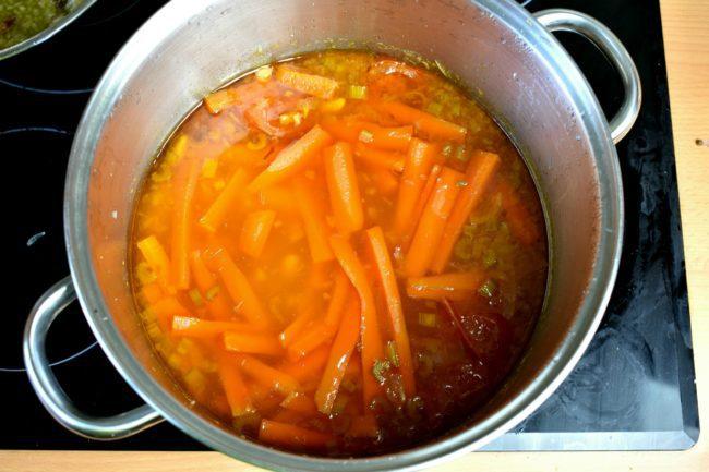 White-bean-soup-navy-bean-soup-process-10-SunCakeMom