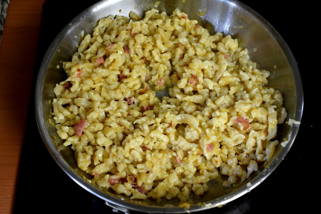 Best-carbonara-recipe-with-traditional-or-gluten-free-pasta-process-12-SunCakeMom