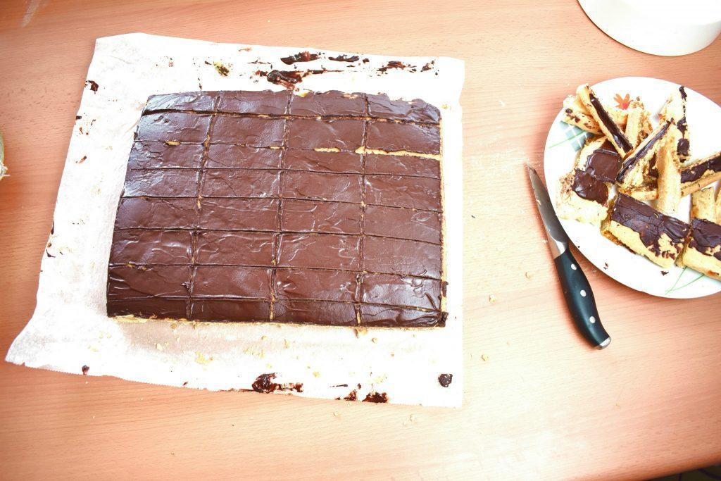 Gerbeaud-cake-zserbo-szelet-process-21-SunCakeMom