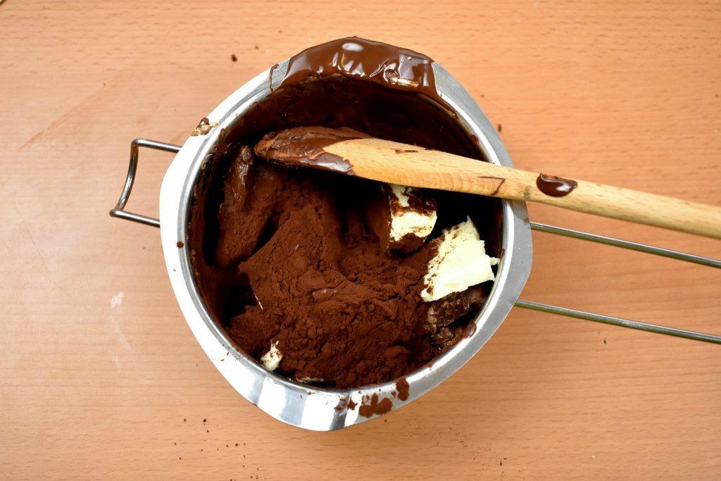 Sacher-torte-recipe-process-10-SunCakeMom