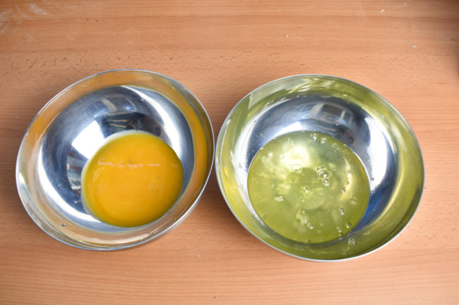 Separate-egg-white-from-yolk-gp-SunCakeMom
