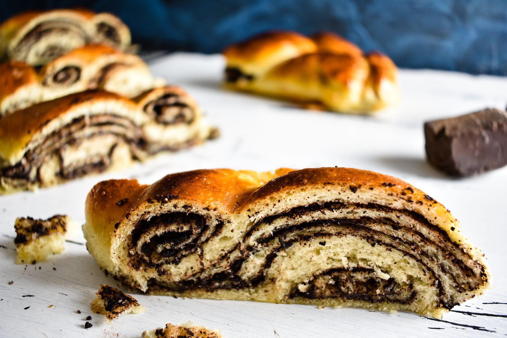 Braided-bread-recipe-with-chocolate-filling-1-SunCakeMom