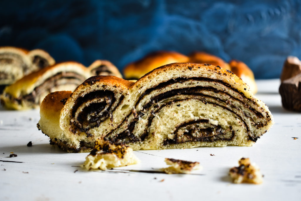 Braided-bread-recipe-with-chocolate-filling-3-SunCakeMom