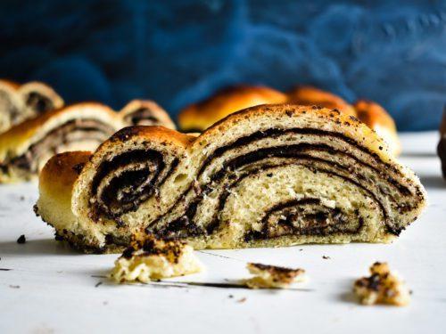 Braided-bread-recipe-with-chocolate-filling-3-SunCakeMom