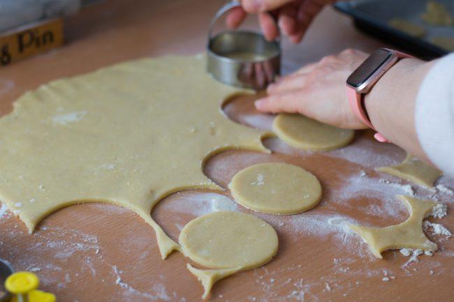 Linzer-cookies-recipe-Easter-cookies-Process-10-SunCakeMom