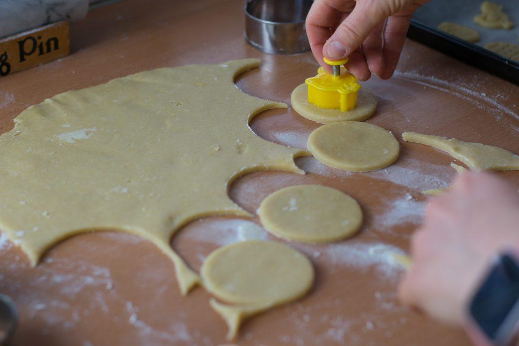 Linzer-cookies-recipe-Easter-cookies-Process-11-SunCakeMom