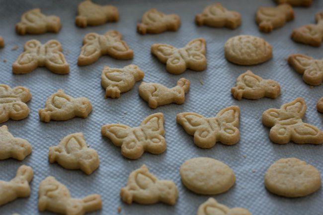 Linzer-cookies-recipe-Easter-cookies-Process-6-SunCakeMom