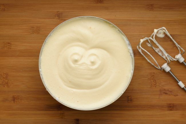 Beat-egg-white-mix-yolk-SunCakeMom