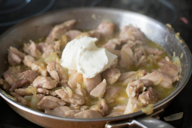 Sour-cream-chicken-recipe-Process-1-SunCakeMom
