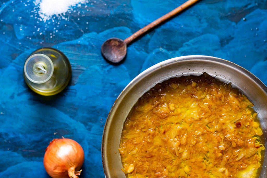Caramelized-onion-recipe-1-SunCakeMom