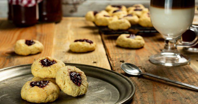 Jammie Dodgers – Thumbprint Cookies Recipe
