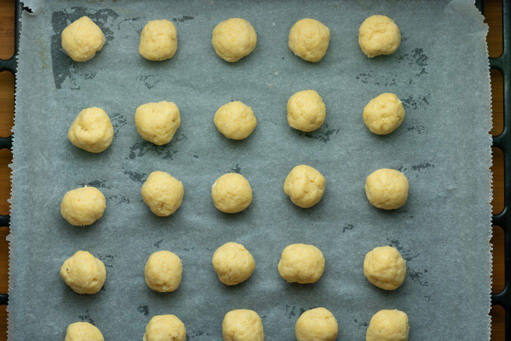 Jammie-dodgers-recipe-Process-3-SunCakeMom