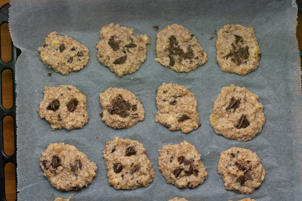 Almond-flour-cookies-with-chocolate-chips-Process-6-SunCakeMom