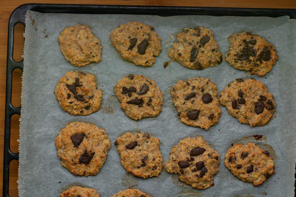 Almond-flour-cookies-with-chocolate-chips-Process-7-SunCakeMom
