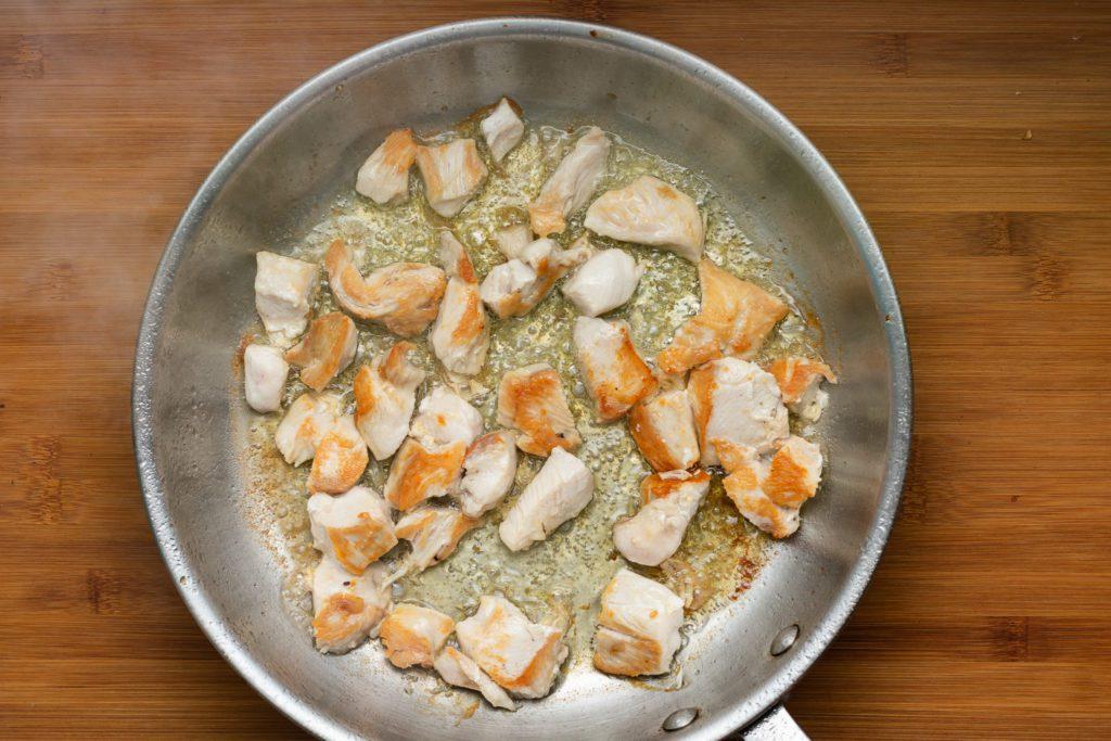 Chicken-broccoli-alfredo-recipe-Process-2-SunCakeMom