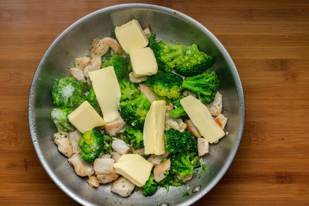 Chicken-broccoli-alfredo-recipe-Process-4-SunCakeMom