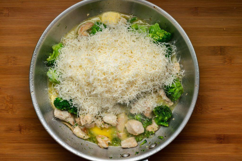 Chicken-broccoli-alfredo-recipe-Process-5-SunCakeMom