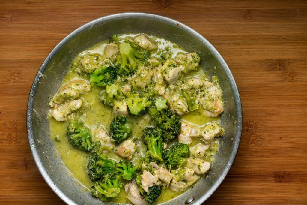 Chicken-broccoli-alfredo-recipe-Process-7-SunCakeMom
