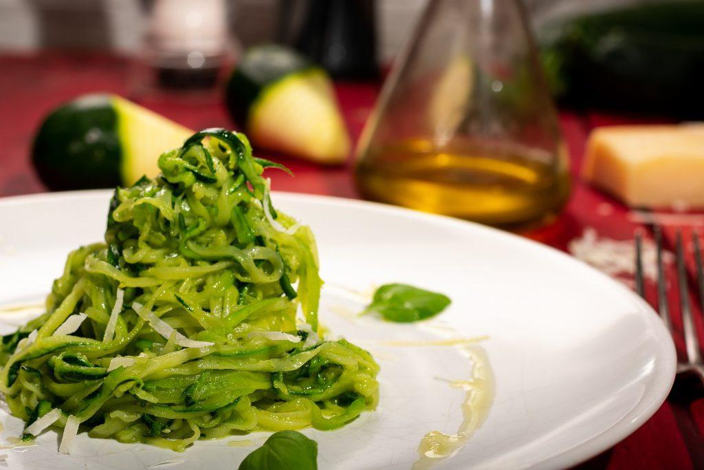 Zucchini-noodles-Zoodles-Recipe-1-SunCakeMom