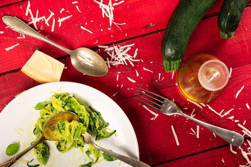 Zucchini-noodles-Zoodles-Recipe-4-SunCakeMom