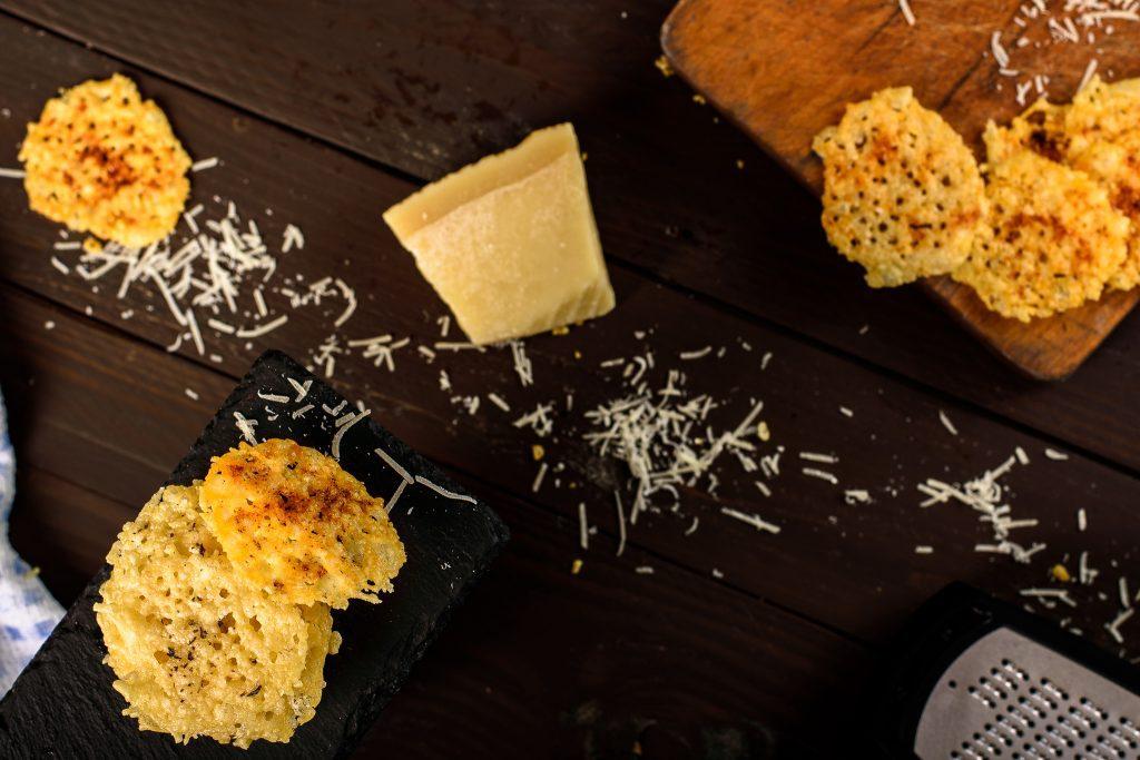 Parmesan chips recipe - SunCakeMom